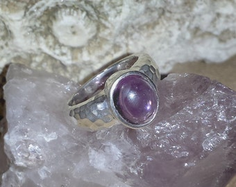 Vintage Boho Chic Amethyst Sterling Silver Estate Ring Size 6 / Vintage Amethyst Hammered Silver Engagement Ring Size 6