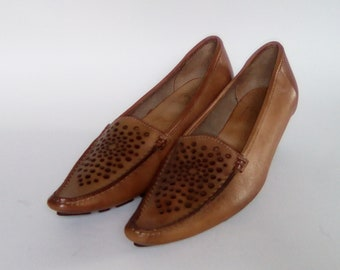 Beautiful light brown perforated leather moccasins size 39