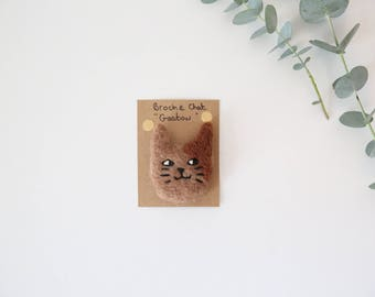 "Cat brooch ""GASTON"" wool carded - felted, embroidered / free shipping France"