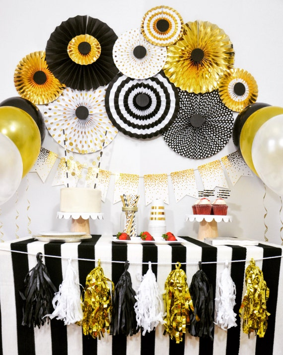 Graduation anniversary engagement birthday party for 30th birthday decoration packages