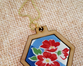 Summer picnic Mini Hexagon Pendant Necklace - Jewelry hexie chain patriotic