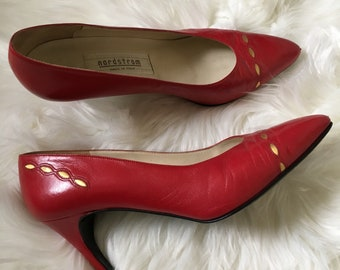 nordstrom leather pumps w/ gold detail - size 8
