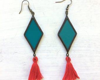 Rhombus earrings with tassels