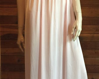 Vintage Lingerie 1960s GILEAD Pink Size Small Nightgown Stle 6931