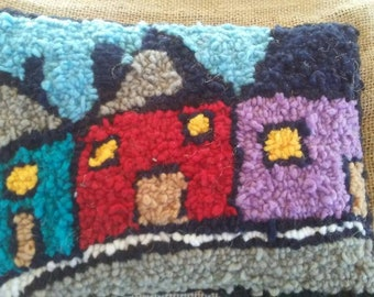 9x7 Hooked row house rug