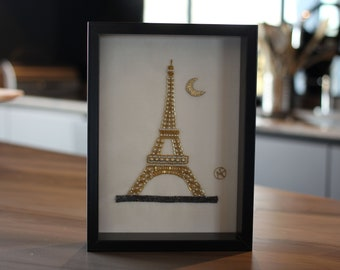 Tower Effeil hand embroidered table