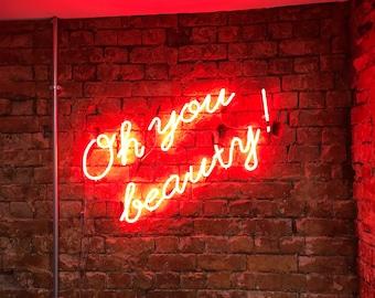 Neon sign, salon or beauty parlour
