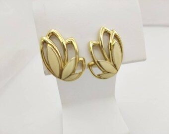 Trifari Creme Leaves  Gold  Clip earrings  signed Casual Modern
