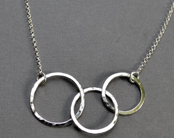 Interlocking Circle Necklace, 3 Circle Necklace, Sterling Silver, Interlocked Rings, Argentium Sterling, Modern Jewelry, Gift Under 50, Mom