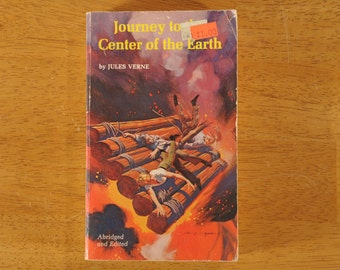 Journey to the Center of the Earth, Jules Verne, Paperback Science Fiction, 1973- (Contact shop to request actual ship cost for multi items)