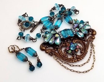 Huge Vintage Turquoise Rhinestones on this Baroque Victorian Necklace with Matching Earrings VN146