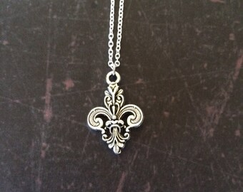 Fleur de Lis - Fleur de Lis Necklace - Fleur de Lis Jewelry - Fleur de Lis Pendant - Paris Jewelry - Paris Necklace - French Necklace - Gift
