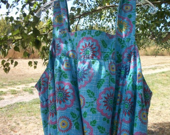 Vintage DARLING COUNTRY Print JUMPER Blue w Sunny Flowers,  2 X