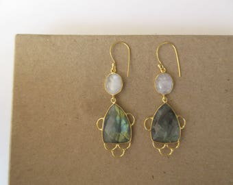 Short and Fancy Bridesmaids Earrings, White Moonstone Earrings, Labradorite Dangle Earrings, Gold Earrings, Gemstone Earrings