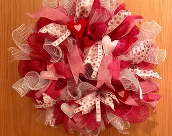 Valentine's Day Wreath, Valentine's Wreath, Deco Mesh Wreath, Love Wreath, Heart Wreath, Red and Pink Wreath