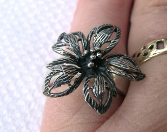 Stunning unique OOAK upcycled sterling silver ring with silver flower O.5/P