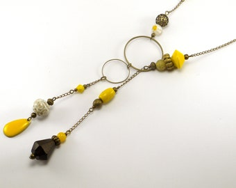 Chain and double circle Lariat Necklace bronze metal, glass, ceramic, wood beads and enamel.