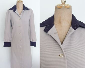 1970's Two Tone Grey Ribbed Polyester Shift Dress Size Large by Maeberry Vintage