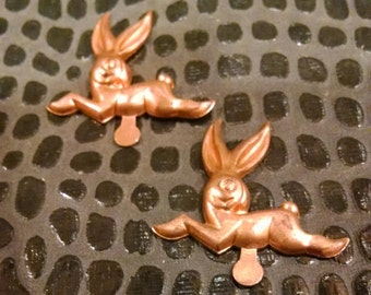 2 Vintage rabbits Metal Finding / Embellishment / Mixed Media Supply / Jewelry Supply / altered art supplies / assemblage / stampings bunny