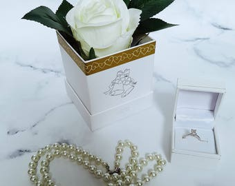 Floral gift for weddings