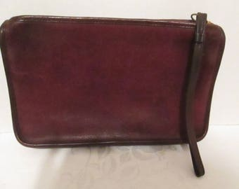 Vintage COACH Brown Distressed Leather Wristlet - Clutch. Made in New York City, USA. No #470-4140