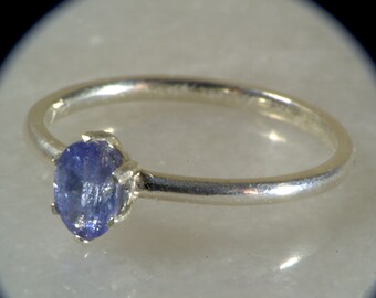 Tanzanite Oval Promise Ring