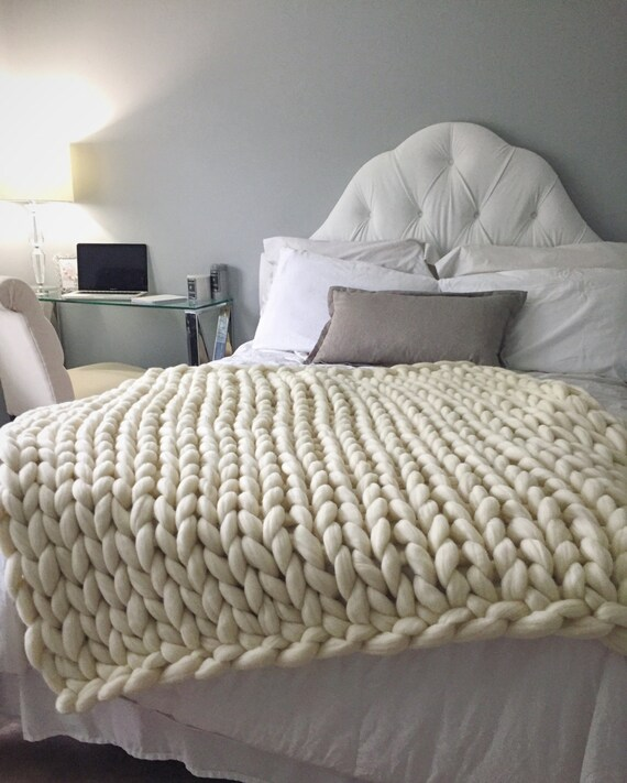 items similar to sale chunky knit blanket merino wool blanket hand knitted blanket 23 micron. Black Bedroom Furniture Sets. Home Design Ideas