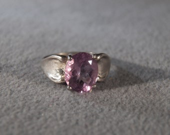 Vintage Sterling Silver Oval Amethyst Fancy  Raised Relief Design Band Ring, Size 8