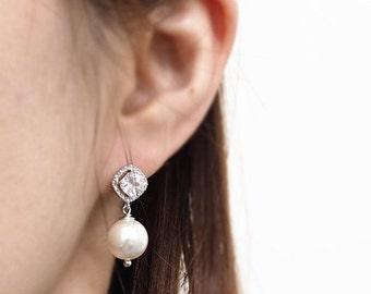 Pearl Wedding Earrings, Crystal Pearl Bridal Earrings, Swarovski Pearl Earrings, cubic zirconia earrings, Bridal Jewelry,bridesmaid gift