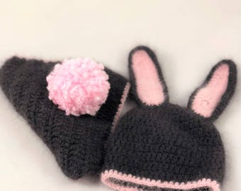 Crocheted panties with cap for a baby