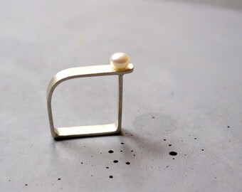 Square ring with Mother of pearl, Sterling silver ring, unusal shape - Custom made ring