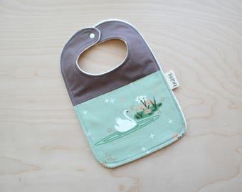 Bio Lätzchen in Swan - Baby-Dusche-Geschenk, Lätzchen, Baby-Mädchen