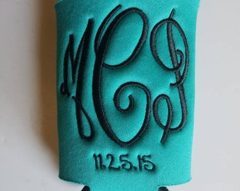 Monogrammed can cooler with added date - Fancy Fun Circle Font, beverage insulator, personalized,  Solid Color, collapsible