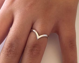 V RING • Pointed Ring • 925 Silver • Best Friend Gift • Birthday Gift • Stack Rings • Love Ring • Minimalist Ring  • Mothers gift  • RS131