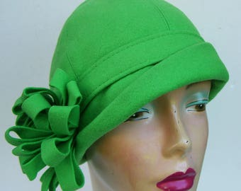 """22"""" - Vintage Fur Felt MADCAPS New York - Paris Women's Cloche Hat"""