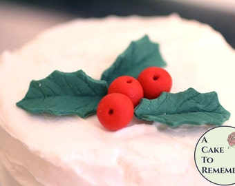 Gumpaste holly leaves and holly berries for cake decorating, can also be made using vegan fondant. Christmas cake ideas