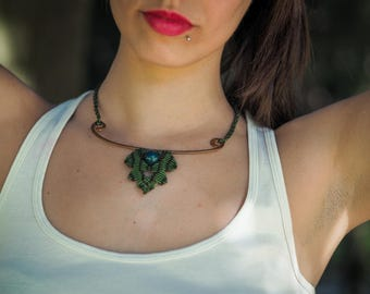 """Leaf"" necklace in macramé and copper-""leaf"" macramé"