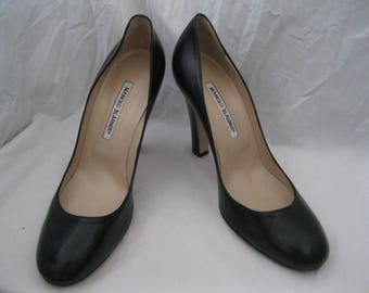 Black Leather Manolo Blahnik Pumps Size 39
