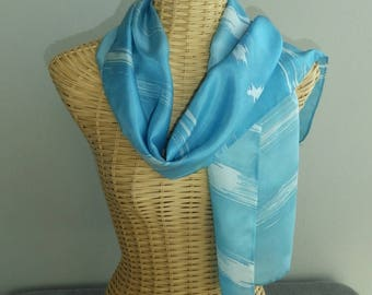 Abstract silk scarf blue sky with clouds blancs@evysoie