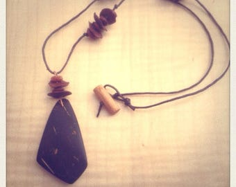 Necklace made of coconut and grains