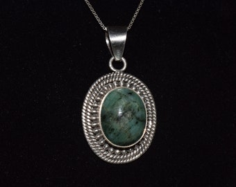 Vintage Green Zoisite and Sterling Silver Oval Pendant Necklace 925 Italy