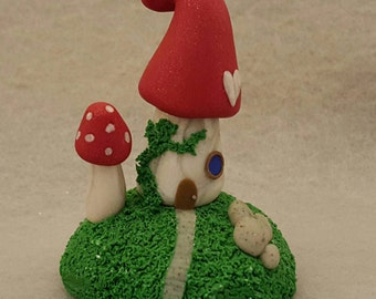 Gnome Home with Vines - Mushroom Figurine - Miniature - Polymer Clay Sculpture