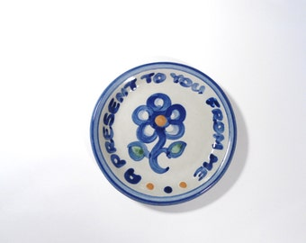 MA Hadley Pottery Small Gift Plate Collectibles Gift for Mom Kitchen Decor Wall Hanging Collection