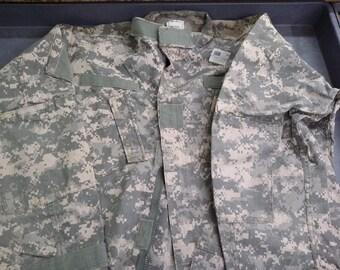 Genuine US Military Surplus ACU BDUs! Perfect for fabric crafts!