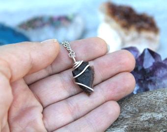 Bohemian Jewelry, TINY Arrowhead Necklace, Small Raw Stone Jewelry, Gypsy Bohemian Necklace, Boho Hippie Necklace, Stone Arrowhead Jewelry