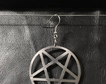 Inverted pentagram - earring