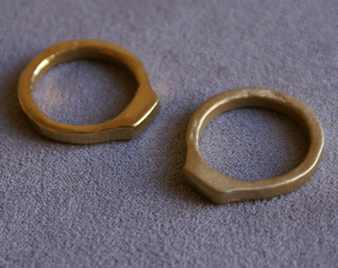 Mesa Ring in Brass