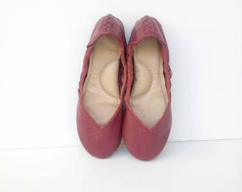 Handmade cherry red leather flat shoes