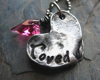 Collier coeur estampillé à la main, étain coulé à la main, cristal coeur sauvage de la Saint-Valentin, cadeau pour elle, bijoux coeur, rose coeur de cristal