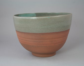 Bowl color celadon (ceramic)